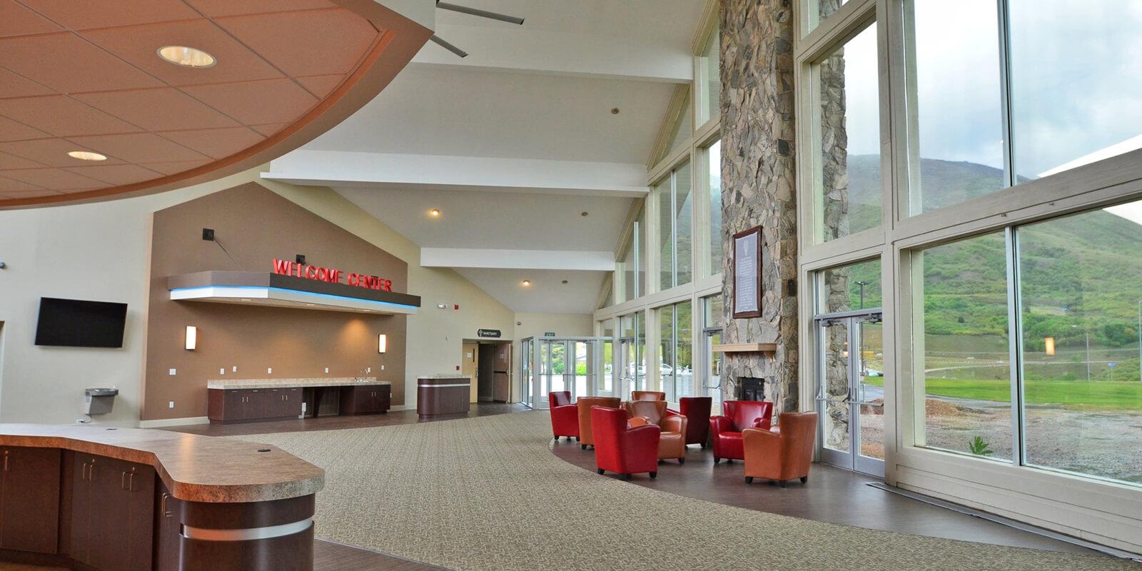 Mountain-View-Foyer